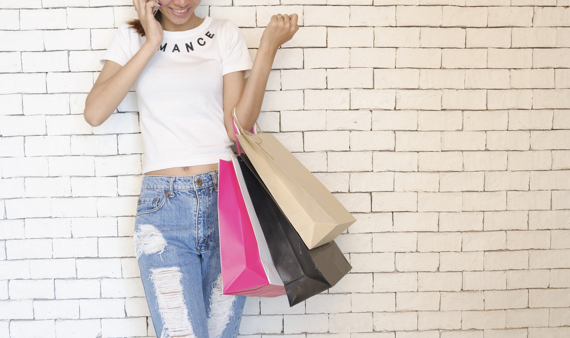Young-Shoppers-Near-Data-Platform
